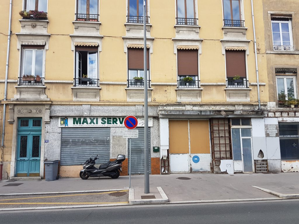 Caluire Quai du Rhône – murs commerciaux à rénover