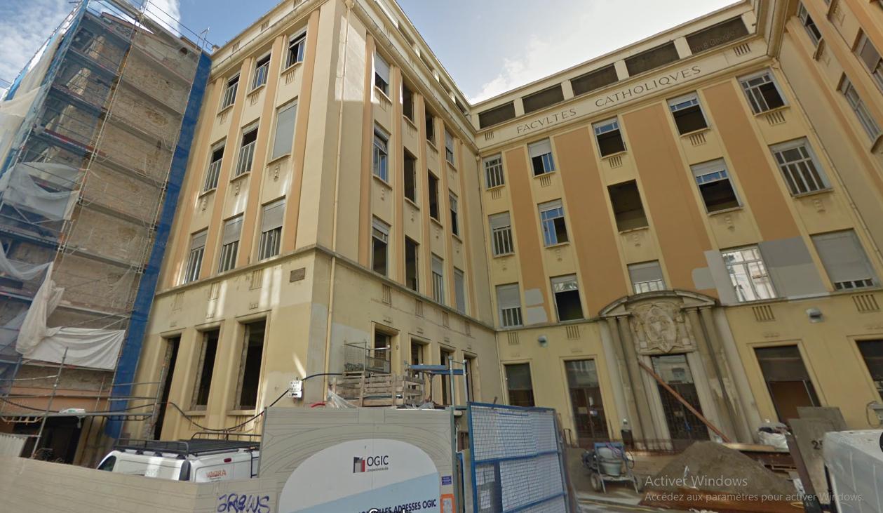 LYON 69002 – Rue du Plat – A VENDRE Murs commerciaux libres
