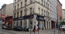 VILLEURBANNE – Cours Emile ZOLA – A VENDRE murs commerciaux libres