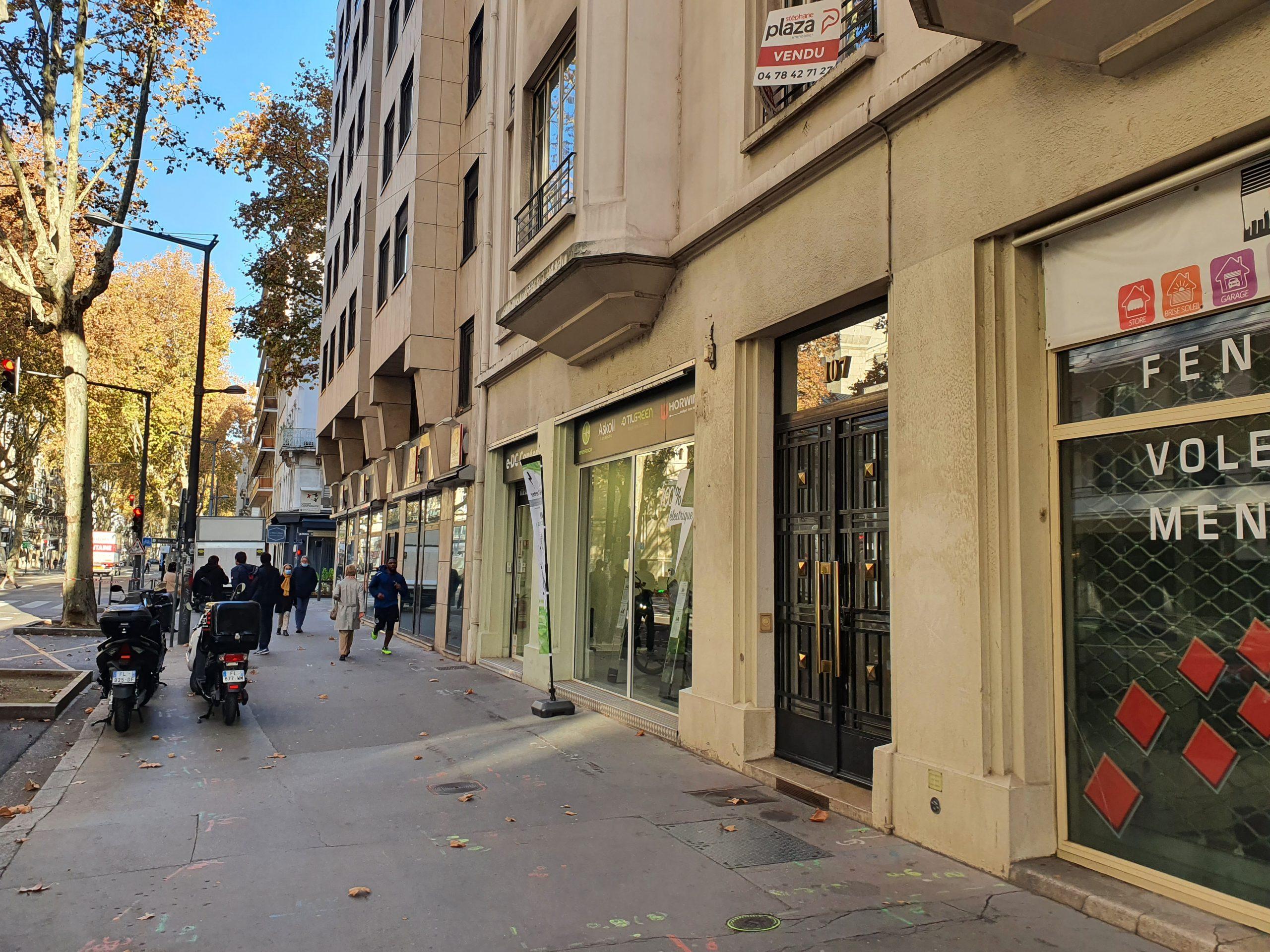 LYON 3ième, Avenue de Saxe, local commercial A LOUER 100 m²