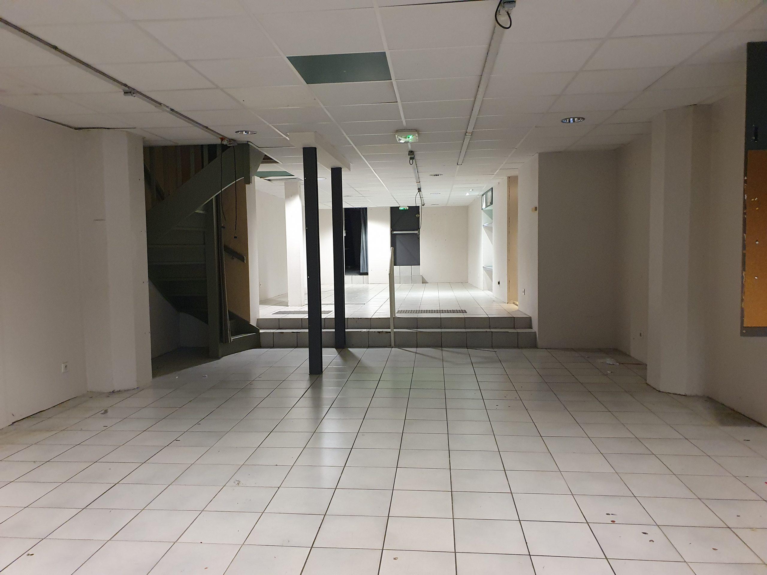 LYON 1er, 24 rue Lanterne, local commercial A LOUER 204 m²