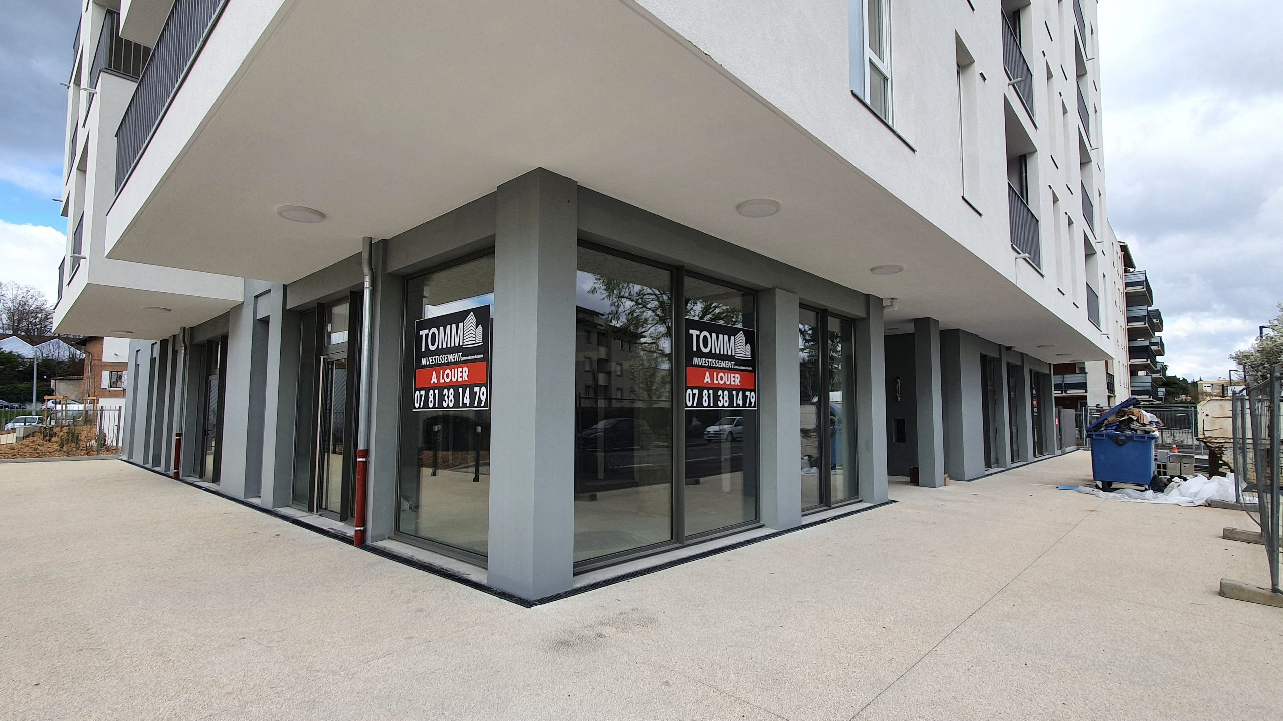 A LOUER – Local commercial – 183 m² – BOULEVARD DE L'EUROPE – PIERRE BENITE 69310