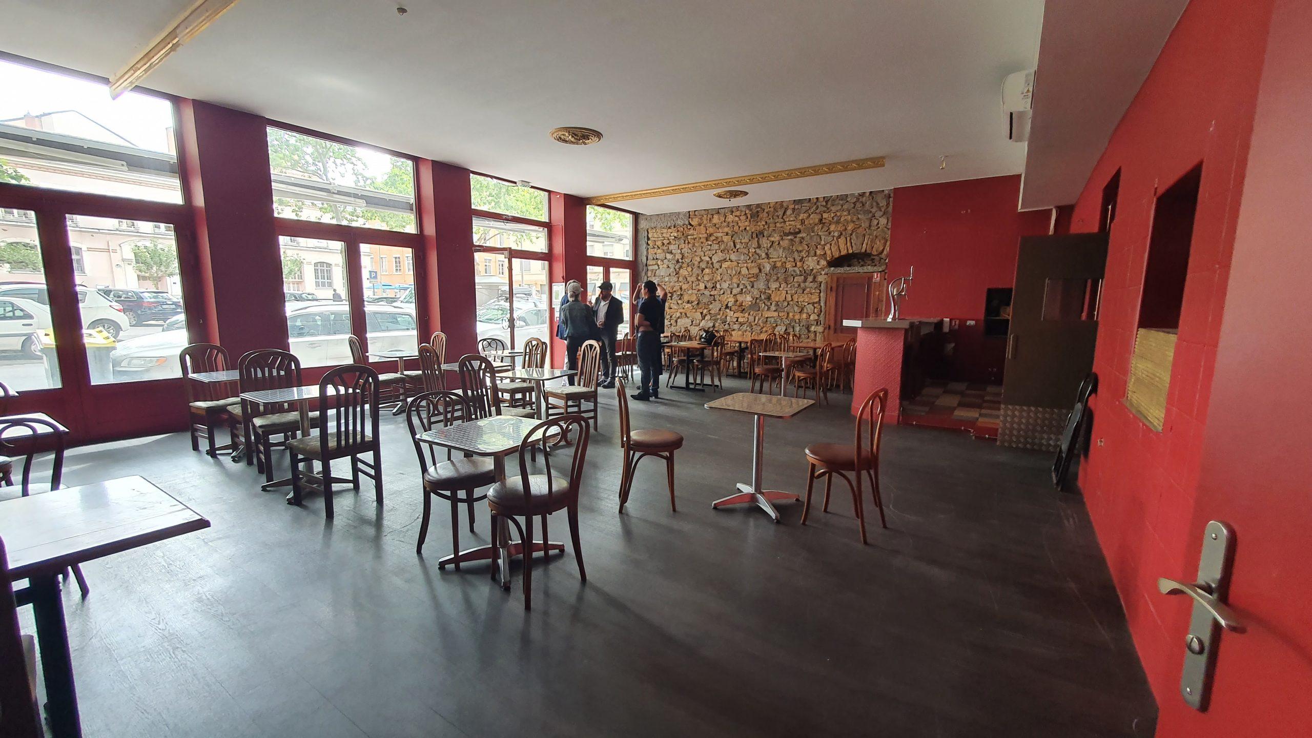A CEDER – Local commercial – 130 m² – Place du Commandant Arnaud – LYON 69004